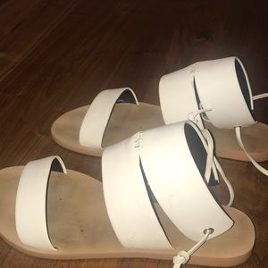 CUTE DIFFERENT SANDALS AMAZING CONDITION